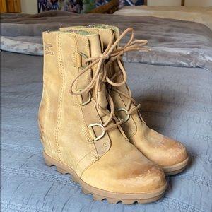 Sorel Joan II boots.